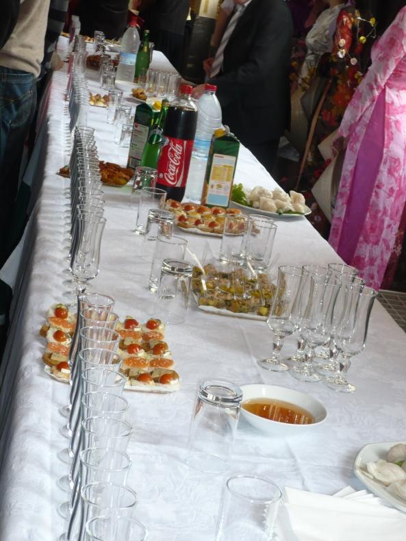 L'apéro-goûter (ce que tout le monde attendait réellement !). Non, pas de table de Mah-jong préparée à côté, snif... dommage.